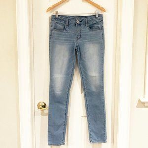 American Eagle Light Wash Skinny Jeans - 8 Long
